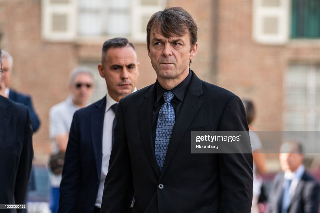 Mike Manley, chief executive officer of Fiat Chrysler Automobiles NV, arrives for a memorial service for former Fiat Chrysler Automobiles NV chief executive officer Sergio Marchionne at the cathedral in Turin, Italy, on Friday, Sept. 14, 2018. Marchionne, the architect of the automaker's dramatic turnaround died, aged 66, on Wednesday, July 25, 2018. Photographer: Federico Bernini/Bloomberg via Getty Images