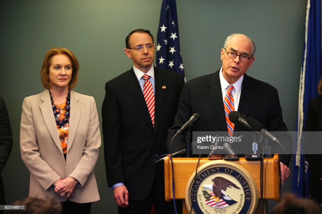Deputy Attorney General Rod Rosenstein Holds News Conference To Update On The 2001 Murder Of Federal Prosecutor Tom Wales : Photo d'actualité