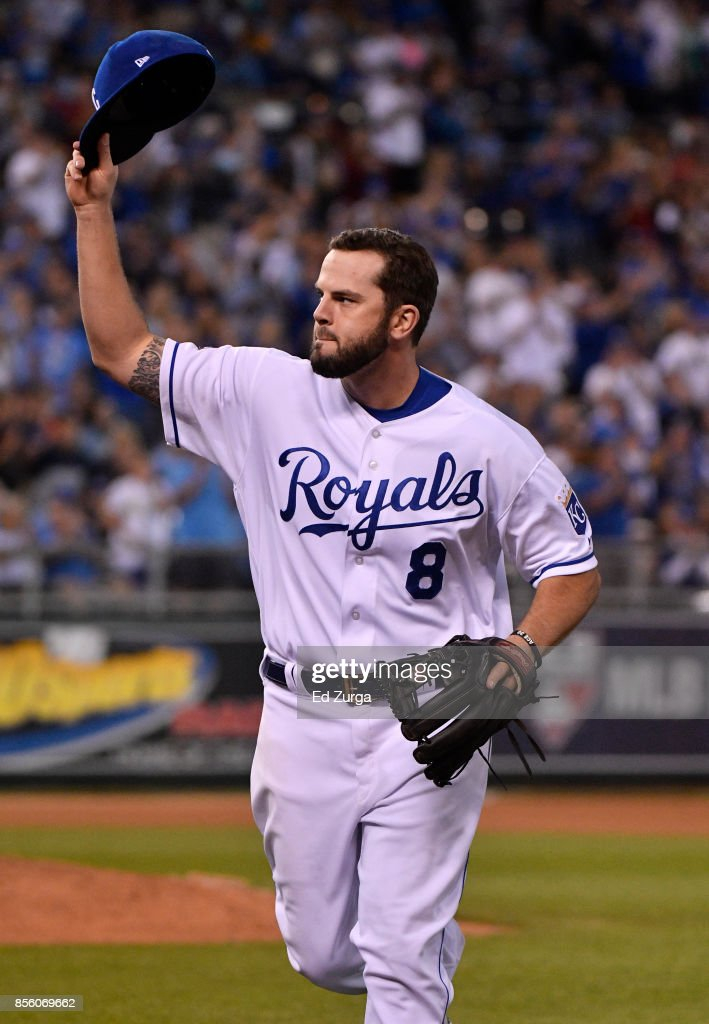 Mike Moustakas #8 of the Kansas City Royals tips his cap to the crowd as he leaves a game against the Arizona Diamondbacks in the sixth inning at Kauffman Stadium on September 30, 2017 in Kansas City, Missouri.