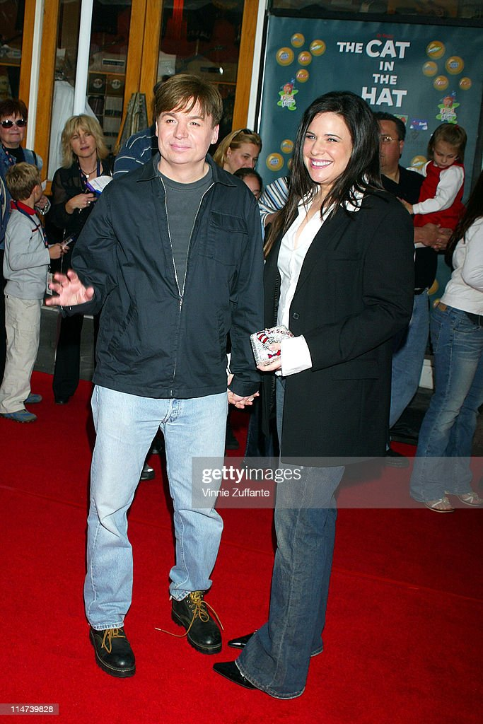 02799272 Mike Myers and wife Robin attending the premiere of