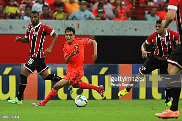 Mike of Sport Recife in action during the the Brasileirao Series A 2014 match between Sport Recife and Sao Paulo at Arena Pernambuco Stadium on...