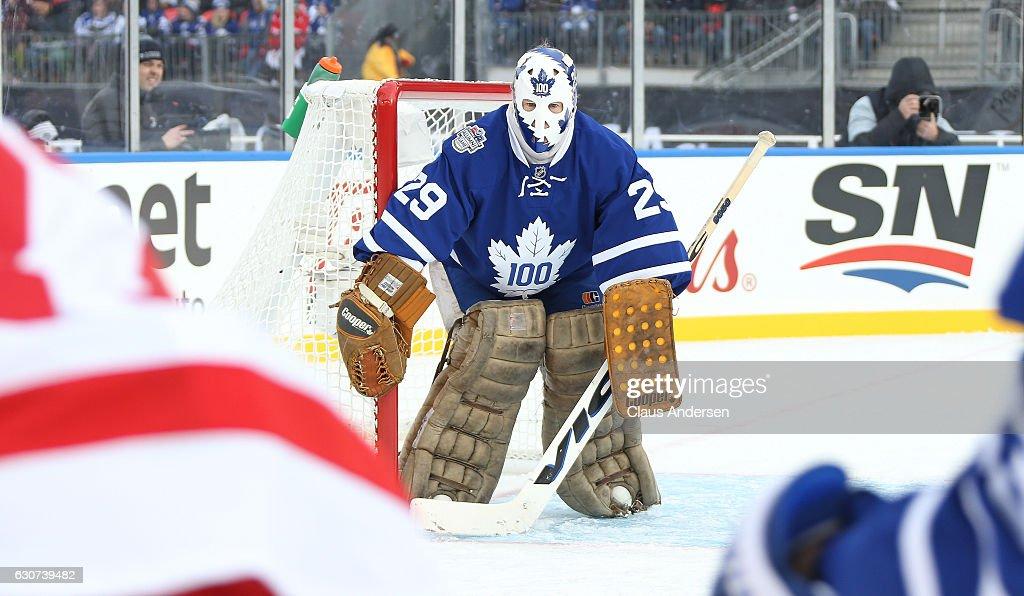 2017 Rogers NHL Centennial Classic Alumni Game - Detroit v Toronto : News Photo
