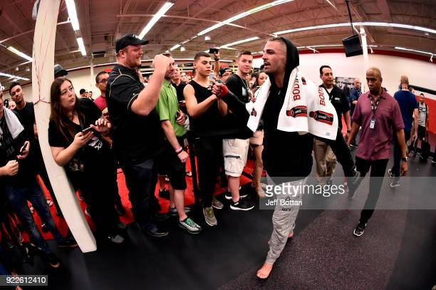 Mike Perry interacts with fans at UFC GYM Orlando on February 21 2018 in Orlando Florida
