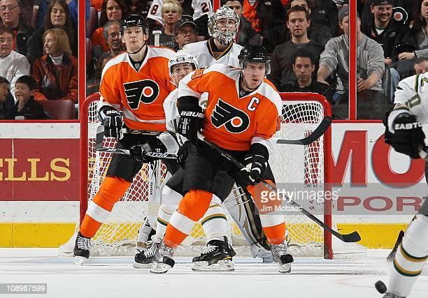 Mike Richards of the Dallas Stars skates against the Philadelphia Flyers on February 5 2011 at Wells Fargo Center in Philadelphia Pennsylvania The...