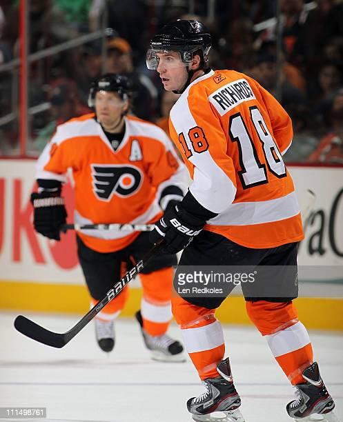 Mike Richards of the Philadelphia Flyers skates against the Atlanta Thrashers on March 31 2011 at the Wells Fargo Center in Philadelphia Pennsylvania