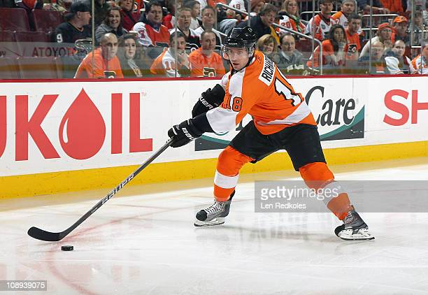 Mike Richards of the Philadelphia Flyers skates in with the puck against the Dallas Stars on February 5 2011 at the Wells Fargo Center in...