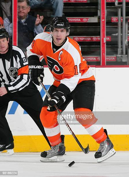 Mike Richards of the Philadelphia Flyers skates with the puck against the New Jersey Devils on November 16, 2009 at the Wachovia Center in...