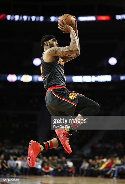 Mike Scott of the Atlanta Hawks shoots the ball against the Detroit Pistons at the Palace of Auburn Hills on January 18 2017 in Auburn Hills Michigan...