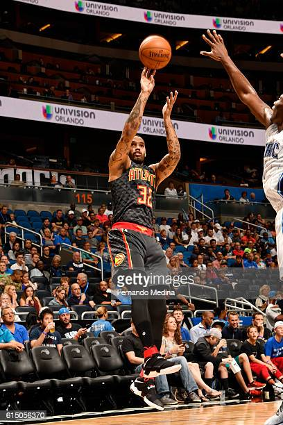 Mike Scott of the Atlanta Hawks shoots the ball during a preseason game against the Orlando Magic on October 16 2016 at Amway Center in Orlando...