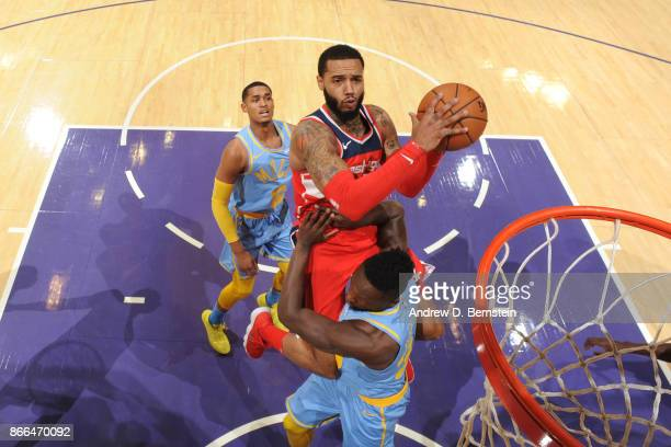 Mike Scott of the Washington Wizards drives to the basket against the Los Angeles Lakers on October 25 2017 at STAPLES Center in Los Angeles...