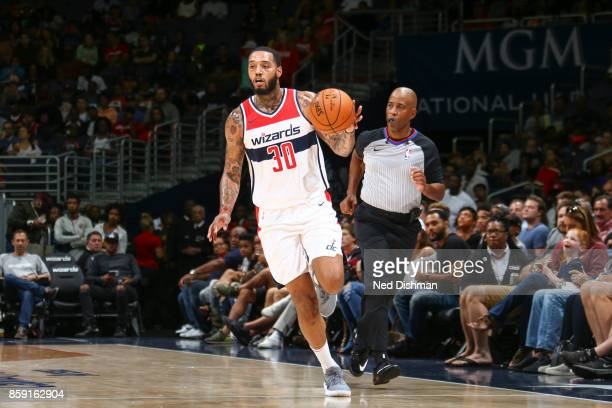 Mike Scott of the Washington Wizards handles the ball during the preseason game against the Cleveland Cavaliers on October 8 2017 at Capital One...