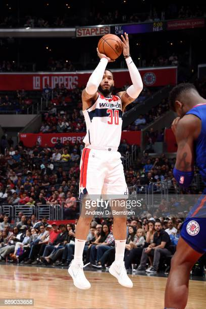 Mike Scott of the Washington Wizards shoots the ball during the game against the LA Clippers on December 9 2017 at STAPLES Center in Los Angeles...