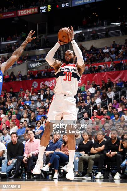 Mike Scott of the Washington Wizards shoots the ball during the game LA Clippers on December 9 2017 at STAPLES Center in Los Angeles California NOTE...