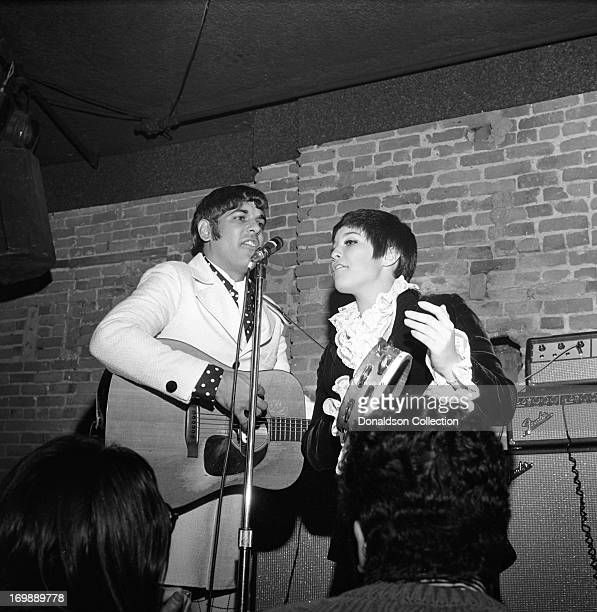 Mike Settle and Thelma Camacho of the rock and roll band The First Edition perform at the Bitter End night club on November 8 1967 in New York New...