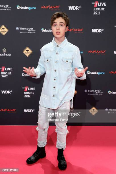 Mike Singer attends the 1Live Krone radio award at Jahrhunderthalle on December 07 2017 in Bochum Germany