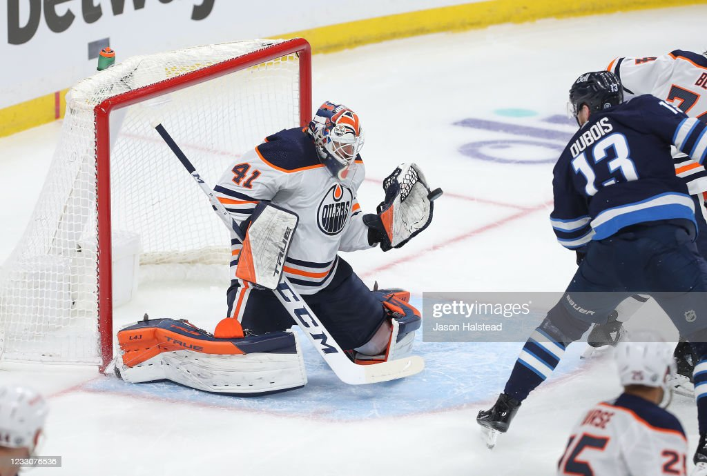 Edmonton Oilers v Winnipeg Jets - Game Three : News Photo
