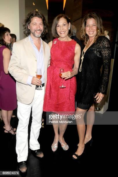 Mike Starn Jan Greenberg and Anne Pasternak attend AMY JOHN PHELAN host wineCRUSH 2009 for the ASPEN ART MUSEUM at Phelan Residence on August 5 2009...
