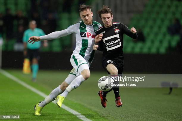 Mike te Wierik of FC Groningen Daniel Crowley of Willem II during the Dutch Eredivisie match between FC Groningen v Willem II at the Noordlease...