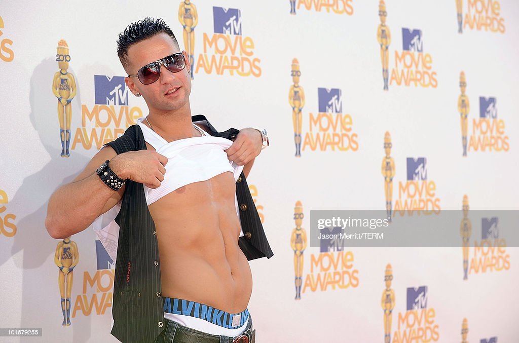 Mike 'The Situation' Sorrentino arrives at the 2010 MTV Movie Awards at Gibson Amphitheatre on June 6, 2010 in Universal City, California.