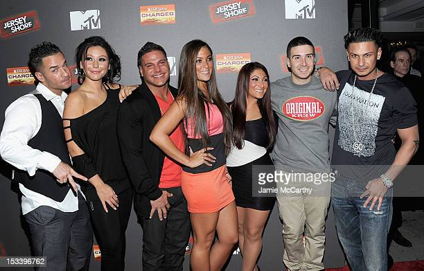 Mike 'The Situation' Sorrentino Jenni 'J Woww' FarleyRonnie OrtizMagroSammi 'Sweetheart' GiancolaDeena Nicole CorteseVinny Guadagnino and Paul 'Pauly...