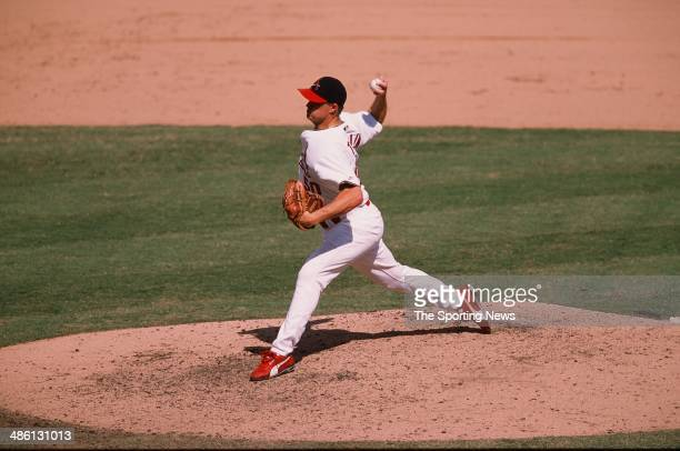 Mike Timlin of the St Louis Cardinals pitches against the Philadelphia Phillies at Busch Stadium on August 19 2001 in St Louis Missouri The Cardinals...