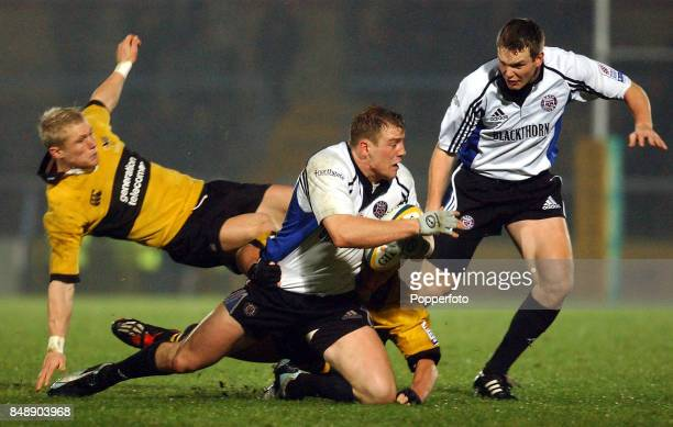 Mike Tindall of Bath looks to pass to Matt Perry during the Zurich Premiership match between Bath and London Wasps at the Recreation Ground in Bath...