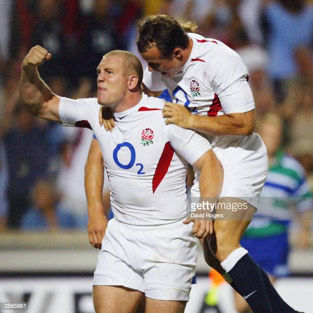 Mike Tindall of England celecrates his try during the Rugby Union International match between France and England on August 30 2003 at Stade Velodrome...