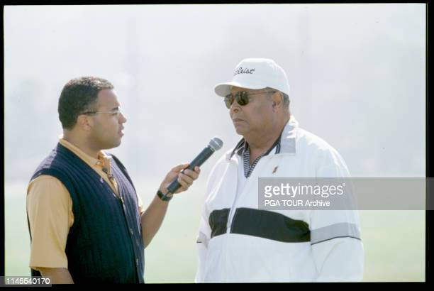 Mike Tirico , Earl Woods 1999 WGC-ACMPC Photo by Chris Condon/PGA TOUR Archive