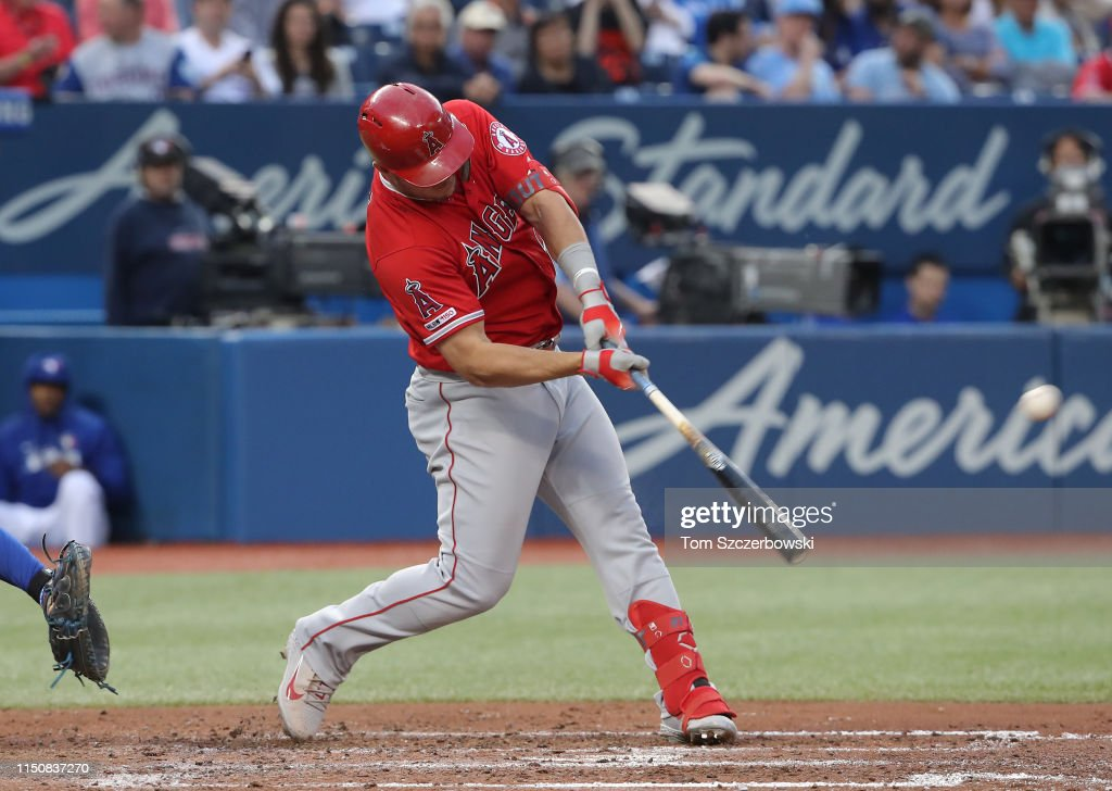 Los Angeles Angels of Anaheim v Toronto Blue Jays : News Photo