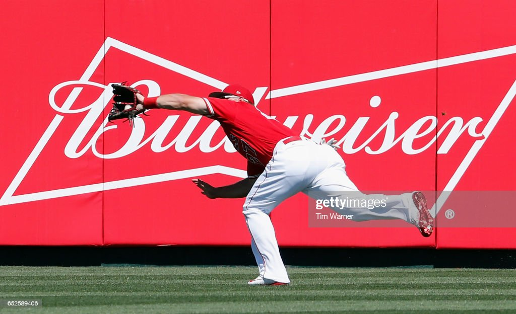 Seattle Mariners v Los Angeles Angels of Anaheim : News Photo