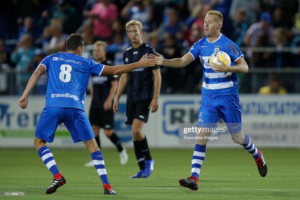 Mike van Duinen of PEC Zwolle celebrates 2-3 with Clint Leemans of PEC Zwolle during the Dutch Eredivisie match between PEC Zwolle v SC Heerenveen at the MAC3PARK Stadium on August 10, 2018 in Zwolle Netherlands
