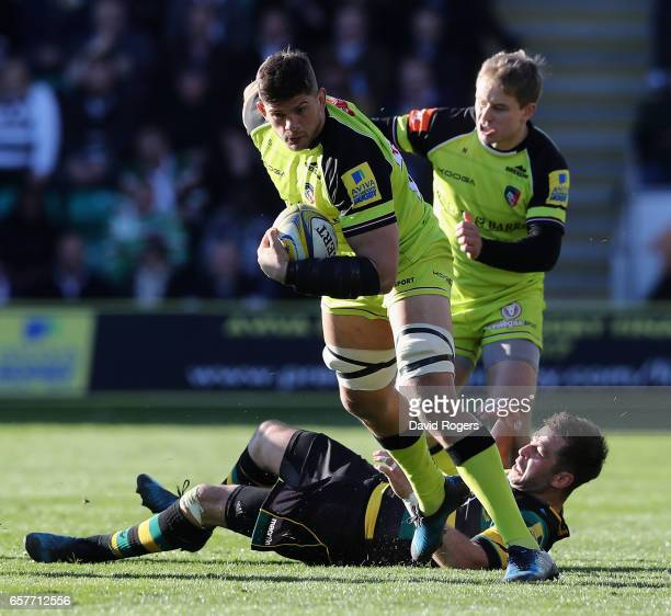 Mike Williams of Leicester breaks with the ball during the Aviva Premiership match between Northampton Saints and Leicester Tigers at Franklin's...