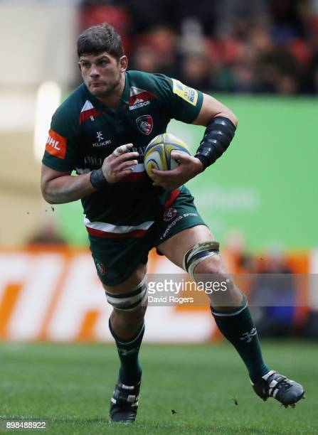 Mike Williams of Leicester Tigers runs with the ball during the Aviva Premiership match between Leicester Tigers and Saracens at Welford Road on...