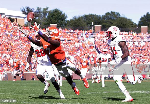 Mike Williams of the Clemson Tigers catches a touchdown during the game against the North Carolina State Wolfpack at Memorial Stadium on October 4...