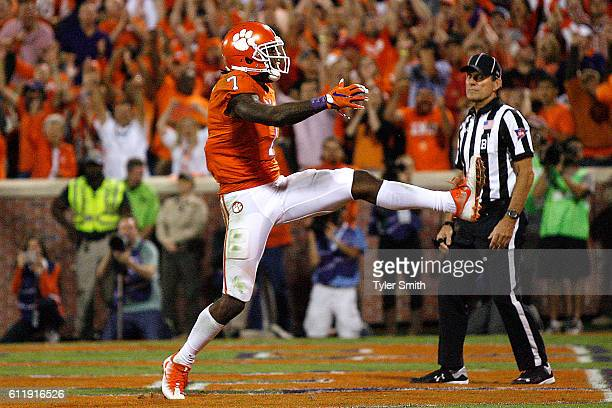 Mike Williams of the Clemson Tigers celebrates his fourth quarter touchdown against the Louisville Cardinals at Memorial Stadium on October 1 2016 in...