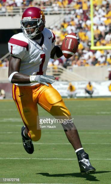 Mike Williams of the USC Trojans makes a catch against the Arizona State Sun Devils at Sundevil Stadium in TempeAZ USC won 3717