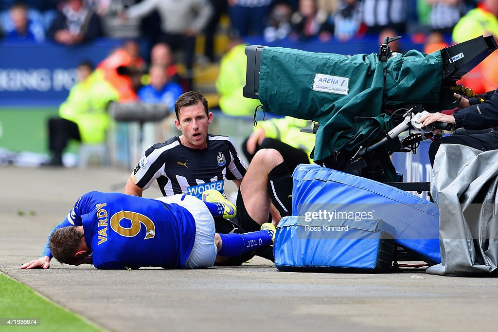 Mike Williamson of Newcastle United fouls Jamie Vardy of Leicester City leading to his red card during the Barclays Premier League match between Leicester City and Newcastle United at The King Power Stadium on May 2, 2015 in Leicester, England.