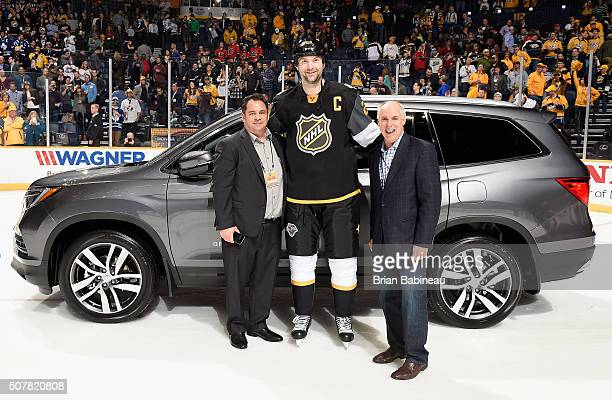 Mike Willrich Associate Director National Advertising American Honda John Scott of the Arizona Coyotes of the Pacific Division AllStars 2016 Honda...