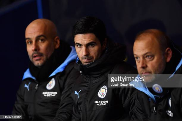 Mikel Arteta Assistant Manager of Manchester City looks on during the Carabao Cup Quarter Final match between Oxford United and Manchester City at...