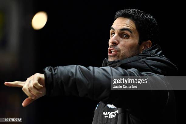 Mikel Arteta Assistant Manager of Manchester City reacts during the Carabao Cup Quarter Final match between Oxford United and Manchester City at...
