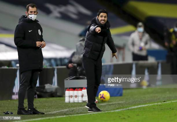 Mikel Arteta Manager of Arsenal gives instructions to his side during the Premier League match between Leeds United and Arsenal at Elland Road on...