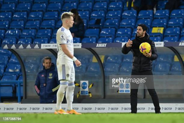 Mikel Arteta Manager of Arsenal gives their team instructions during the Premier League match between Leeds United and Arsenal at Elland Road on...