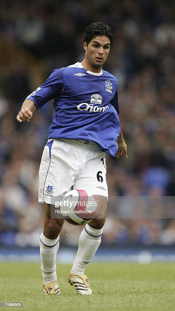 Mikel Arteta of Everton in action during the Barclays Premiership match between Everton and Watford at Goodison Park on August 19, 2006 in Liverpool, England.