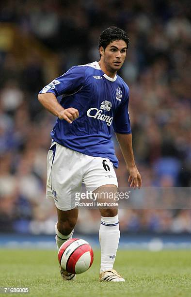 Mikel Arteta of Everton in action during the Barclays Premiership match between Everton and Watford at Goodison Park on August 19 2006 in Liverpool...
