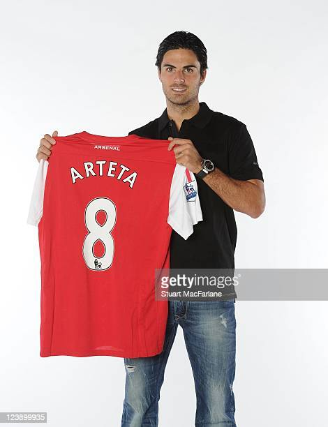 mikel-arteta-signs-for-arsenal-at-london