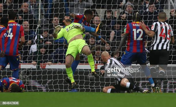 Mikel Merino of Newcastle United scores the only goal of the game during the Premier League match between Newcastle United and Crystal Palace at St...