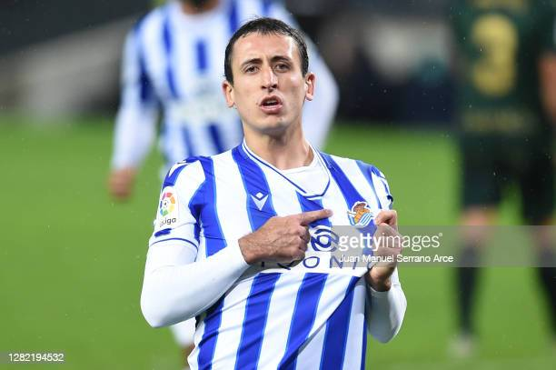 Mikel Oyarzabal of Real Sociedad celebrates after scoring his team's first goal from the penalty spot during the La Liga Santander match between Real...