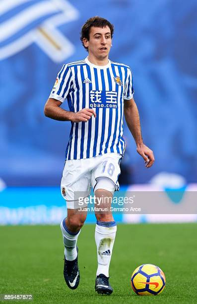 Mikel Oyarzabal of Real Sociedad controls the ball during the La Liga match between Real Sociedad de Futbol and Malaga CF at Estadio Anoeta on...