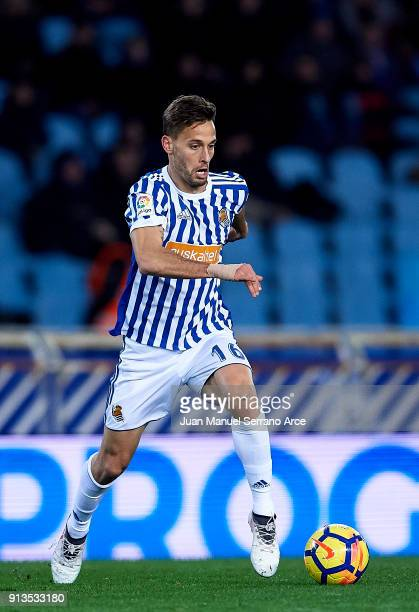 Mikel Oyarzabal of Real Sociedad controls the ball during the La Liga match between Real Sociedad de Futbol and RC Deportivo La Coruna at Estadio...