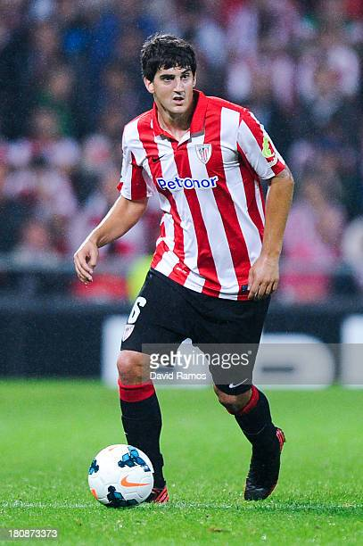 Mikel San Jose of Athletic Club runs with the ball during the La Liga match between Athletic Club and RC Celta de Vigo at San Mames Stadium on...